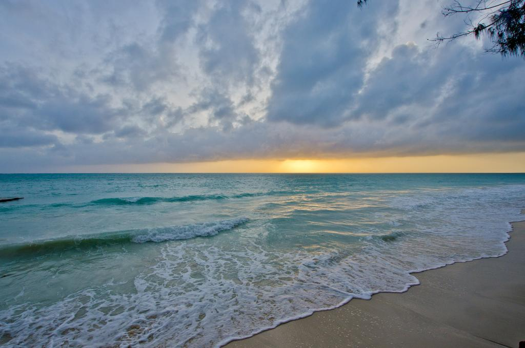 Bluebay Beach Resort & Spa Chilli Travel (3)