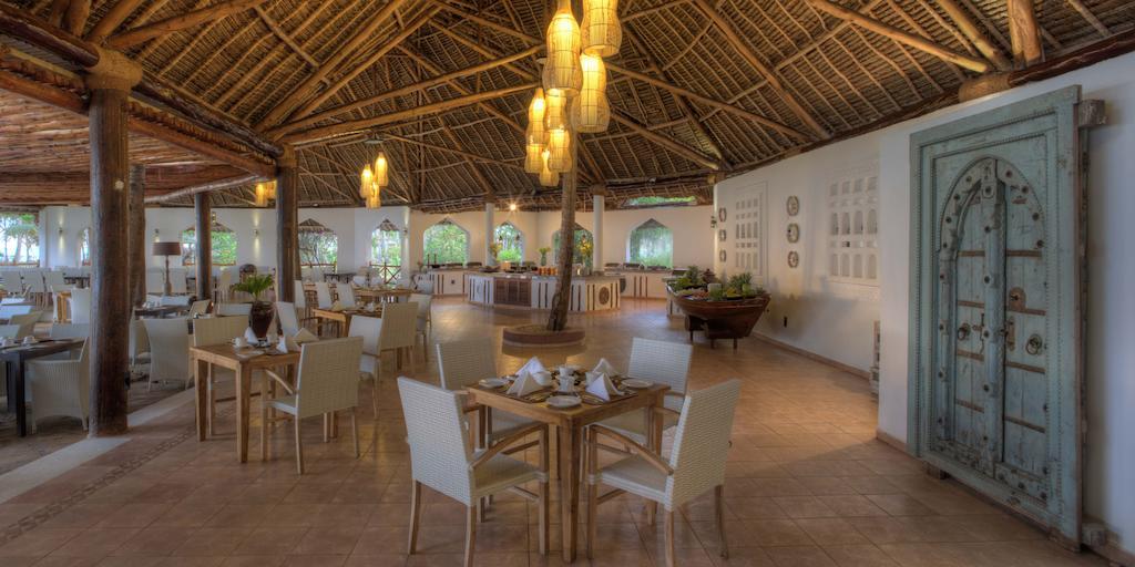 Bluebay Beach Resort & Spa Chilli Travel (4)