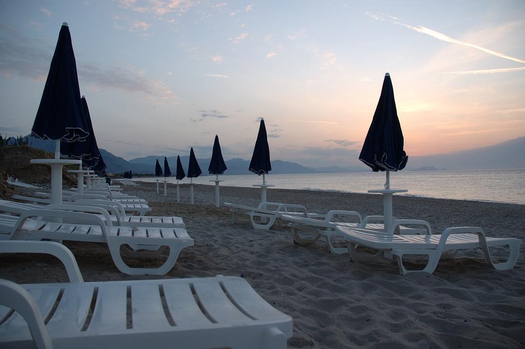 Acacia Resort 9