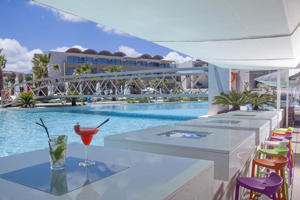Avra Imperial Beach Resort & Spa 10