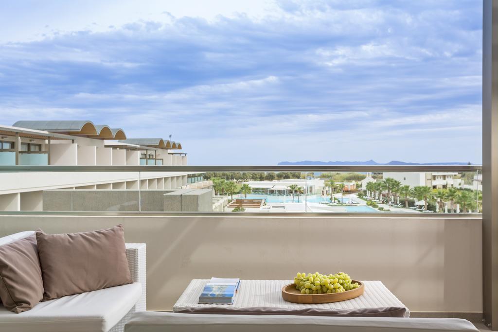 Avra Imperial Beach Resort & Spa 8