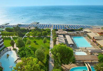 Esperides Beach Family Resort (1)