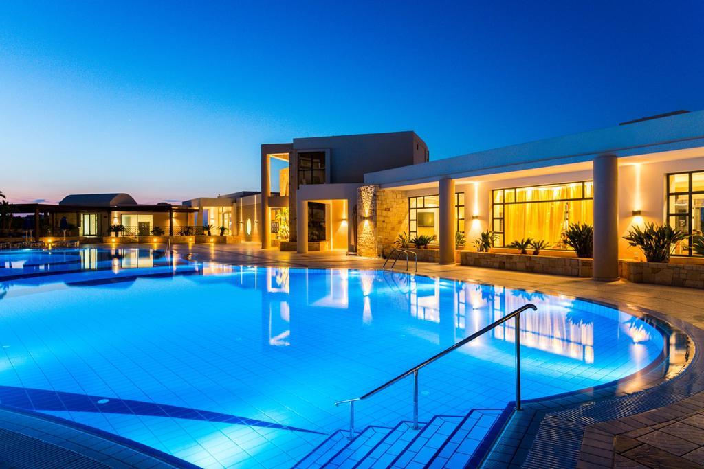 Grand Holiday Resort (1)