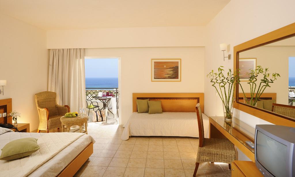 Grand Holiday Resort (2)