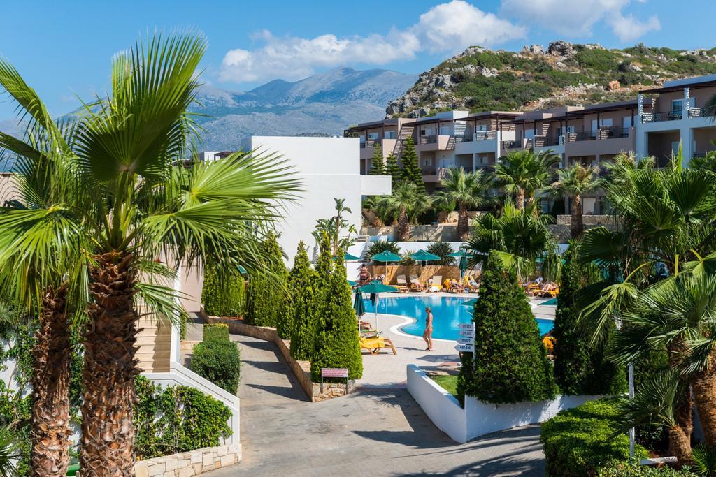 Grand Holiday Resort (4)